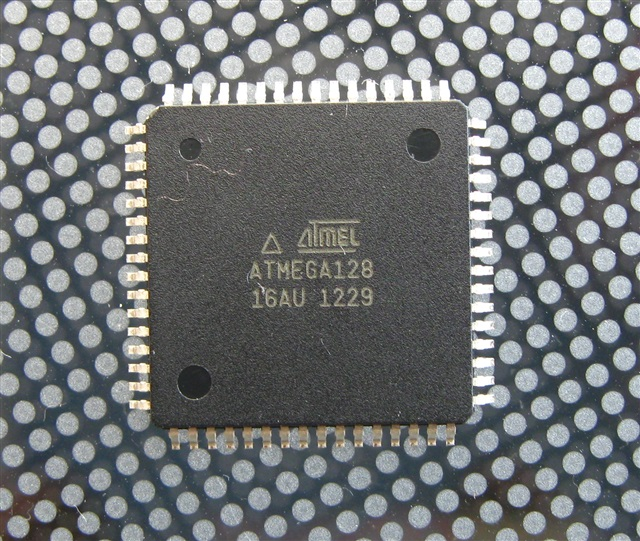 ATMega128-16AU, TQFP64, 128kByte Flash